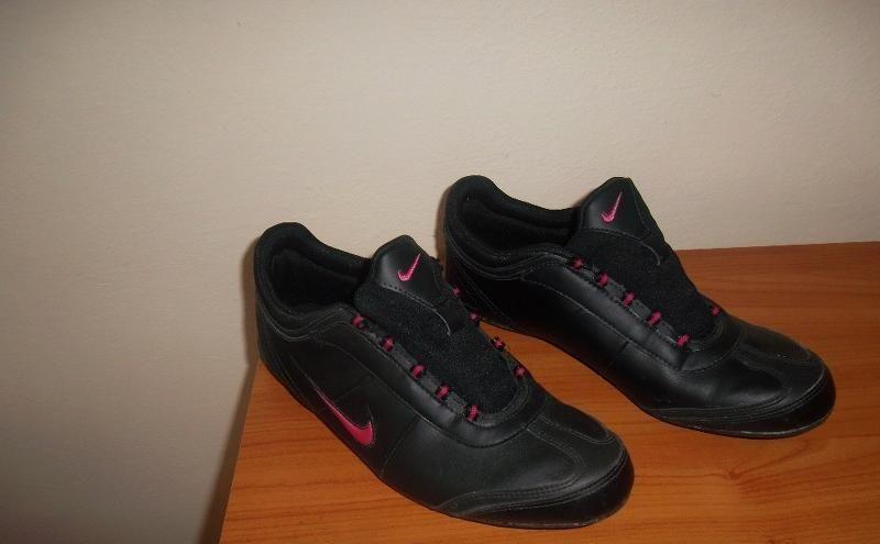 Predám botasky NIKE - Obuv Turčianske Teplice - Na Predaj .EU 03d6c00a245